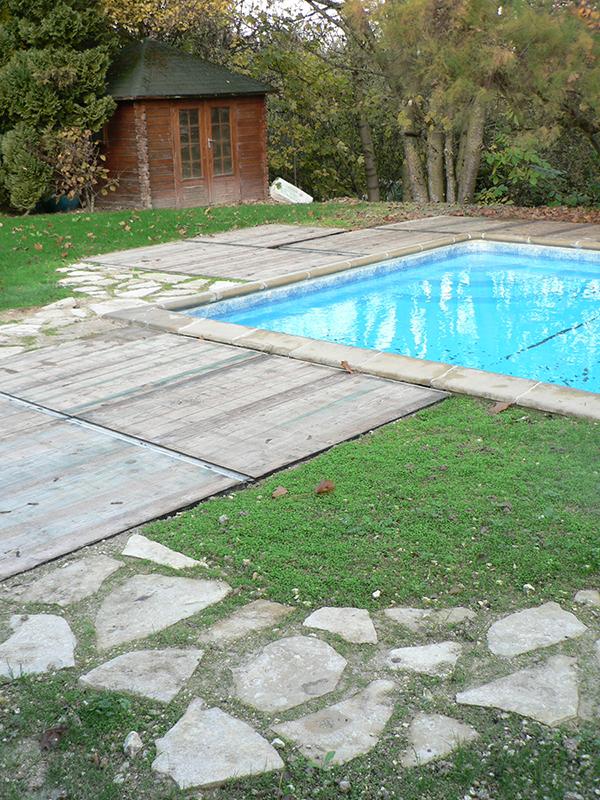 Abord de la piscine après travaux