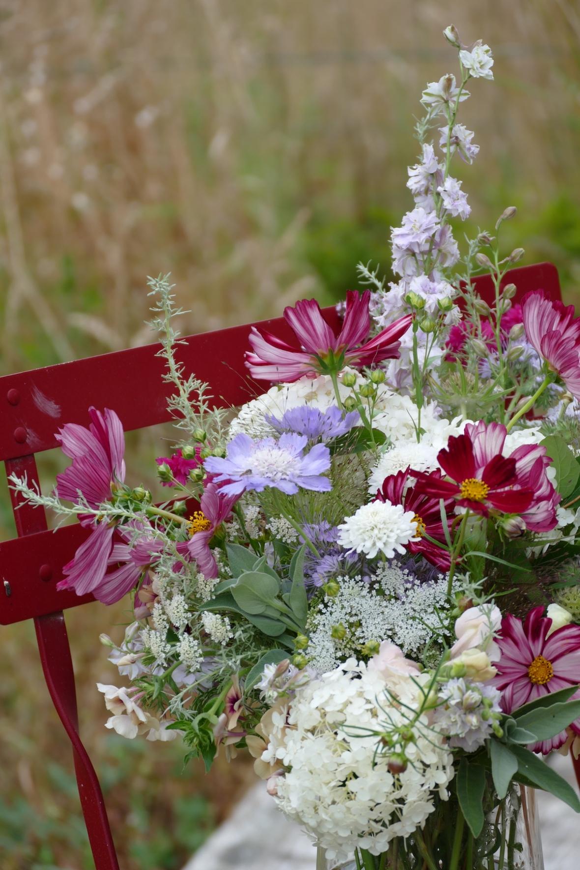 P1070118 - Bouquet détail chaise